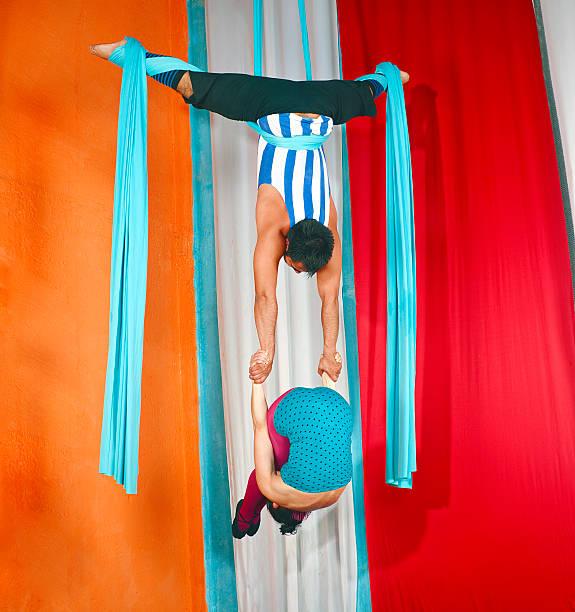 blue-aktion - trapez stock-fotos und bilder