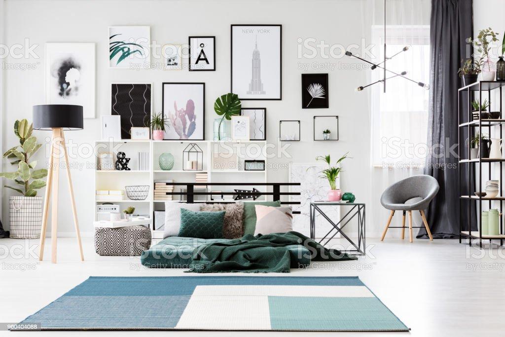 Blaue Und Grüne Geräumiges Schlafzimmer Stockfoto und mehr ...