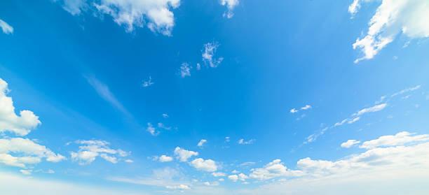 ブルーと白の雲模様 - 空 ストックフォトと画像