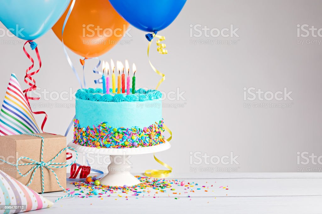 Blue Birthday Cake - fotografia de stock