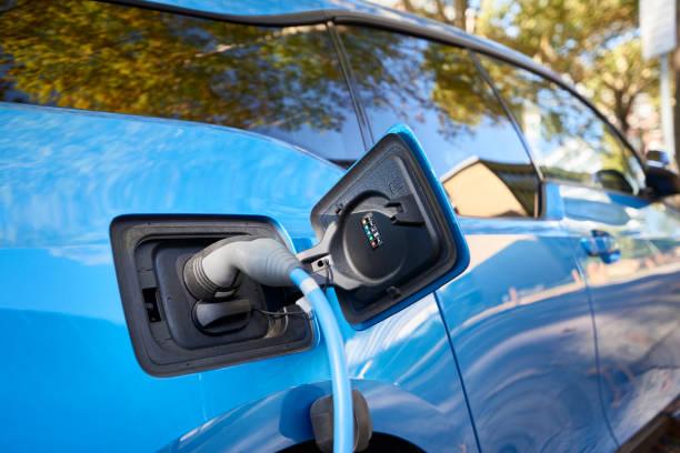 Blauer BMW i3 Elektroauto gesteckt kostenlos – Foto