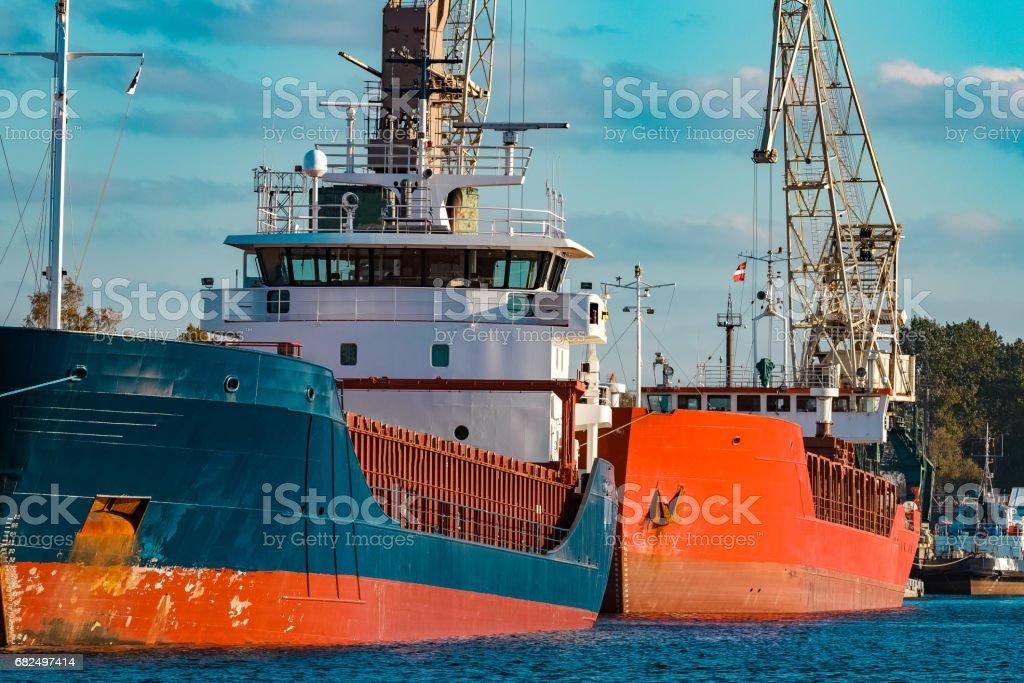 Blue bulk carrier photo libre de droits