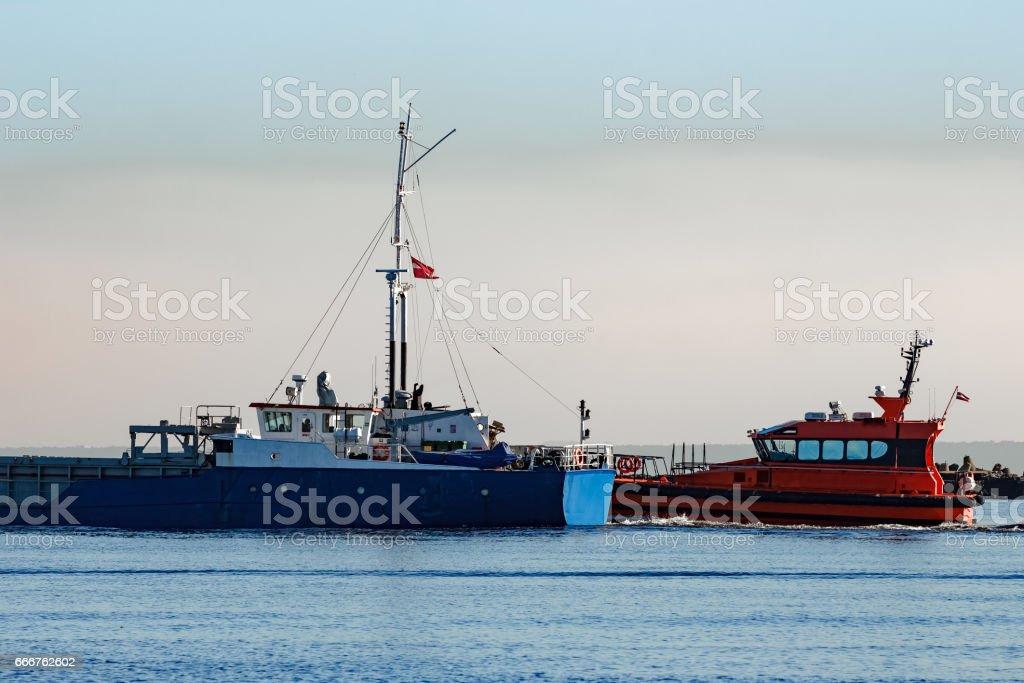 Blue cargo ship foto stock royalty-free
