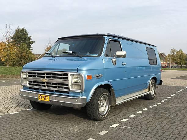 blue chevrolet chevy van 20 - chevy van stock-fotos und bilder
