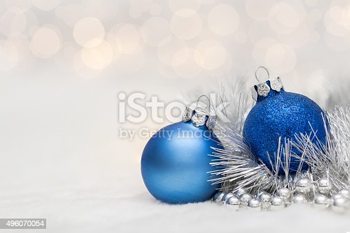 istock Blue Christmas balls with garland 496070054