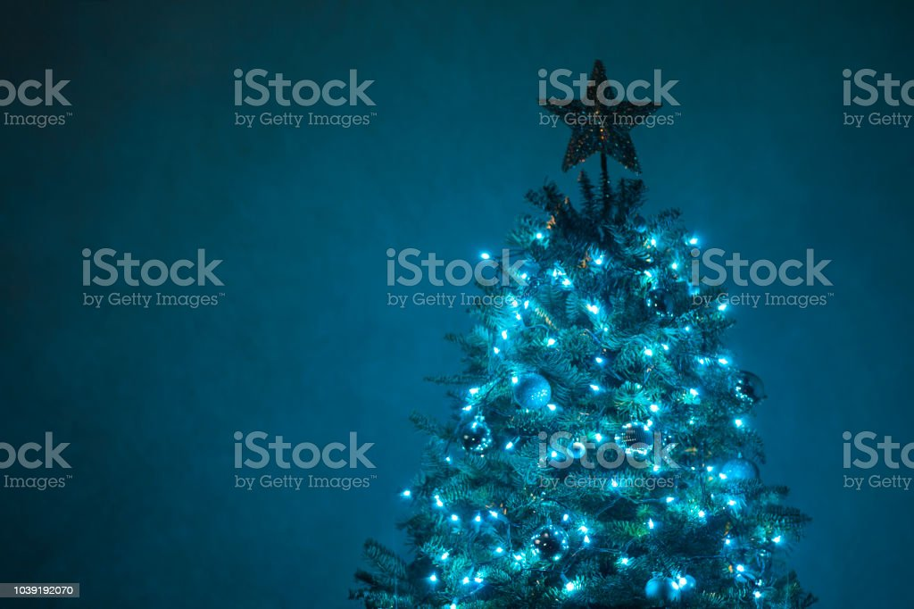 Blue Christmas Tree - Stock Bild – Foto