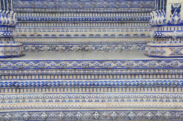 blaue kirche,pak nam khaem nutemple,chathaburi,thailand - kurzgeschichte weihnachten stock-fotos und bilder