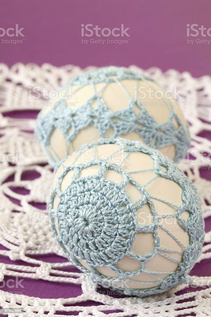 Blue crochet Easter eggs royalty free stockfoto