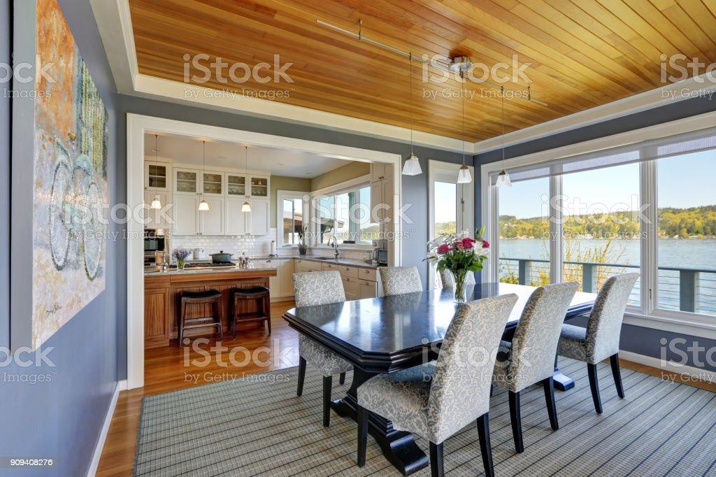 Blauen Esszimmer neben der wunderschönen Gourmet-Küche – Foto