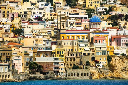 Blauwe Koepelvormige Kerk Van Syros Stockfoto en meer beelden van Architectuur