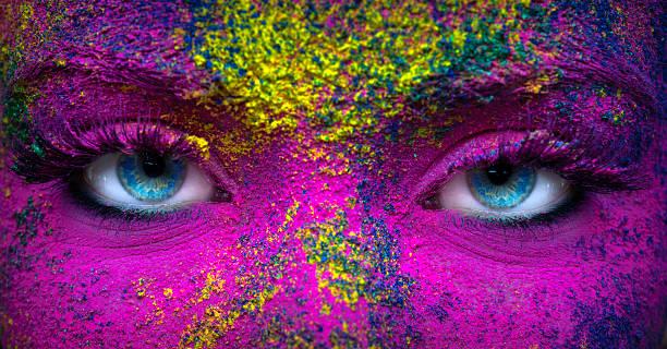 blaue augen - rosa tarnfarbe stock-fotos und bilder