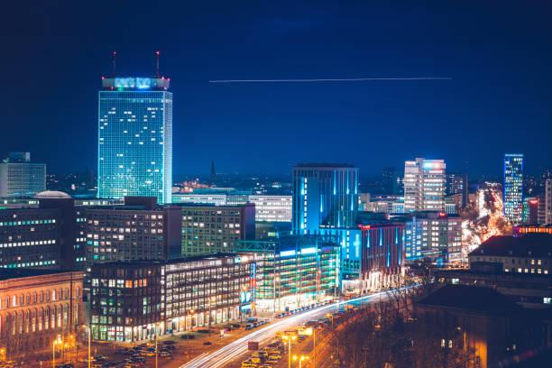 blå timmen i berlin - berlin city bildbanksfoton och bilder