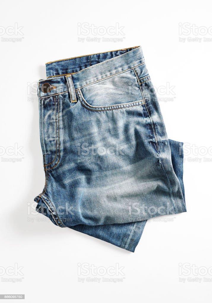 Blaue jeans isoliert auf weißem Hintergrund – Foto
