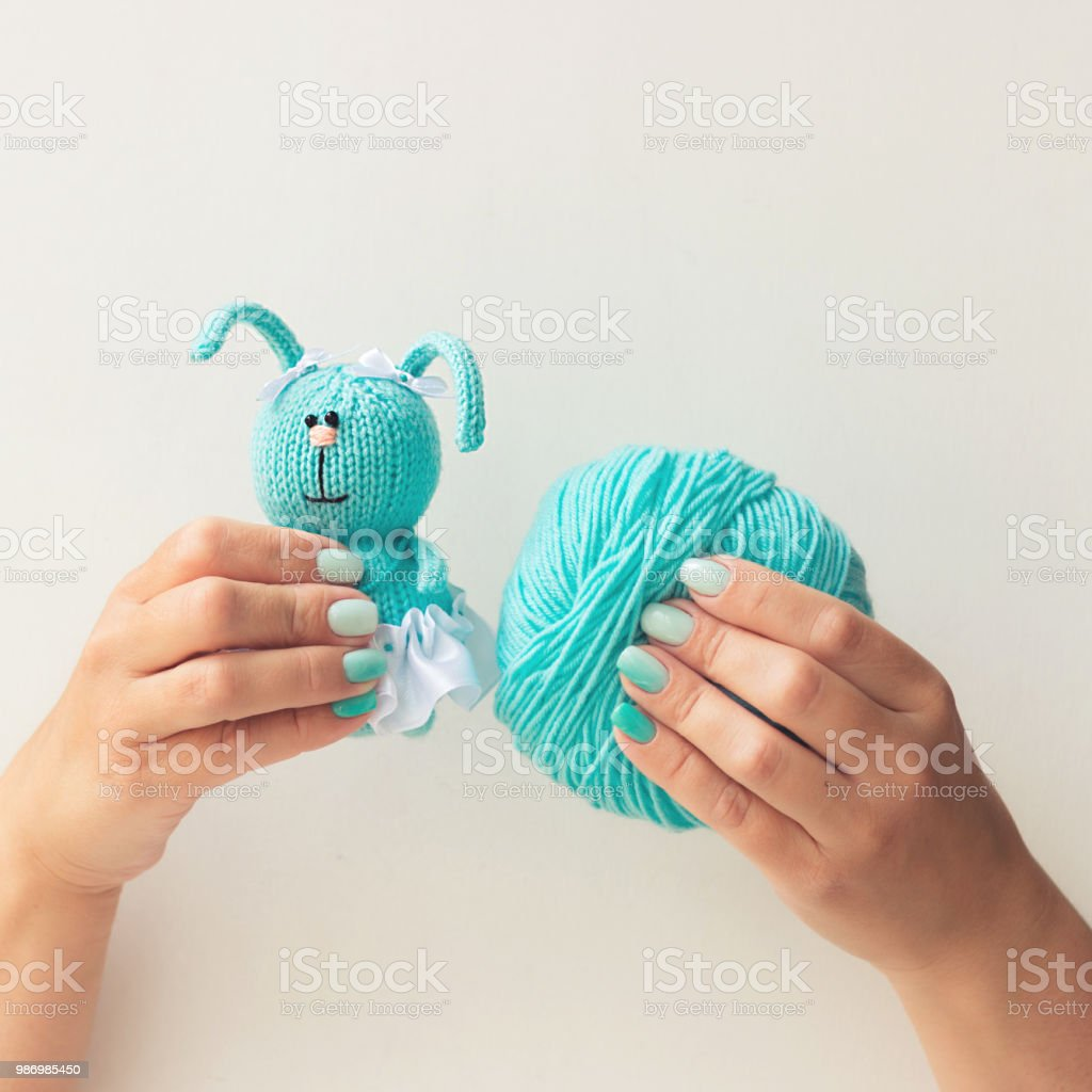 Punto azul conejo - foto de stock