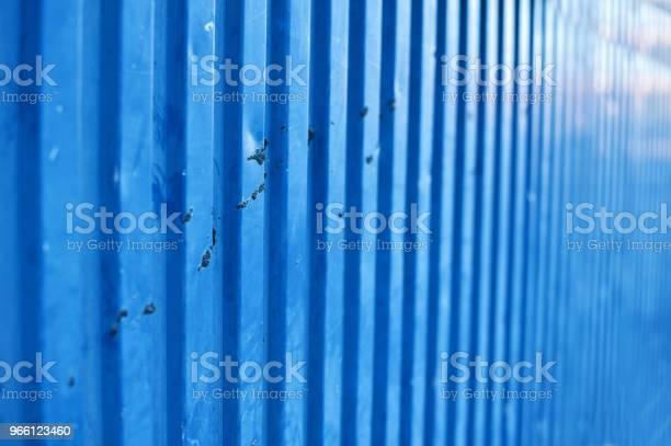 Blå Metallic Vägg Utsmetad Av Fågel Dynga-foton och fler bilder på Arbetssäkerhet