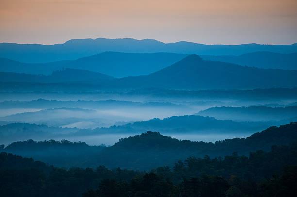 Azul por la mañana - foto de stock