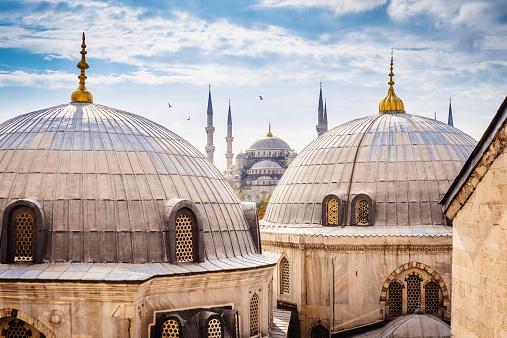 Blue Mosque And Aya Sofya Istanbul Stok Fotoğraflar & Aksungur Camii'nin Daha Fazla Resimleri