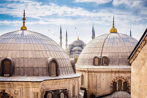 blue mosque and aya sofya, istanbul - i̇stanbul stok fotoğraflar ve resimler