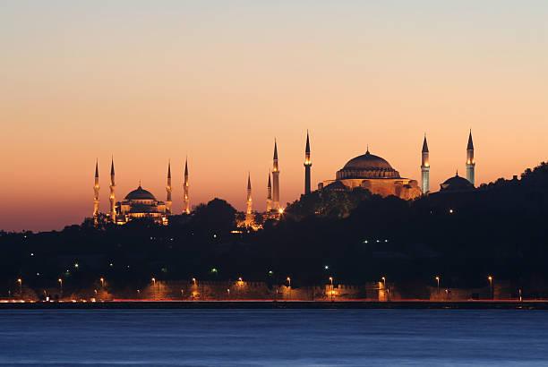 mezquita azul y museo de hagia sofia - ramadán fotografías e imágenes de stock