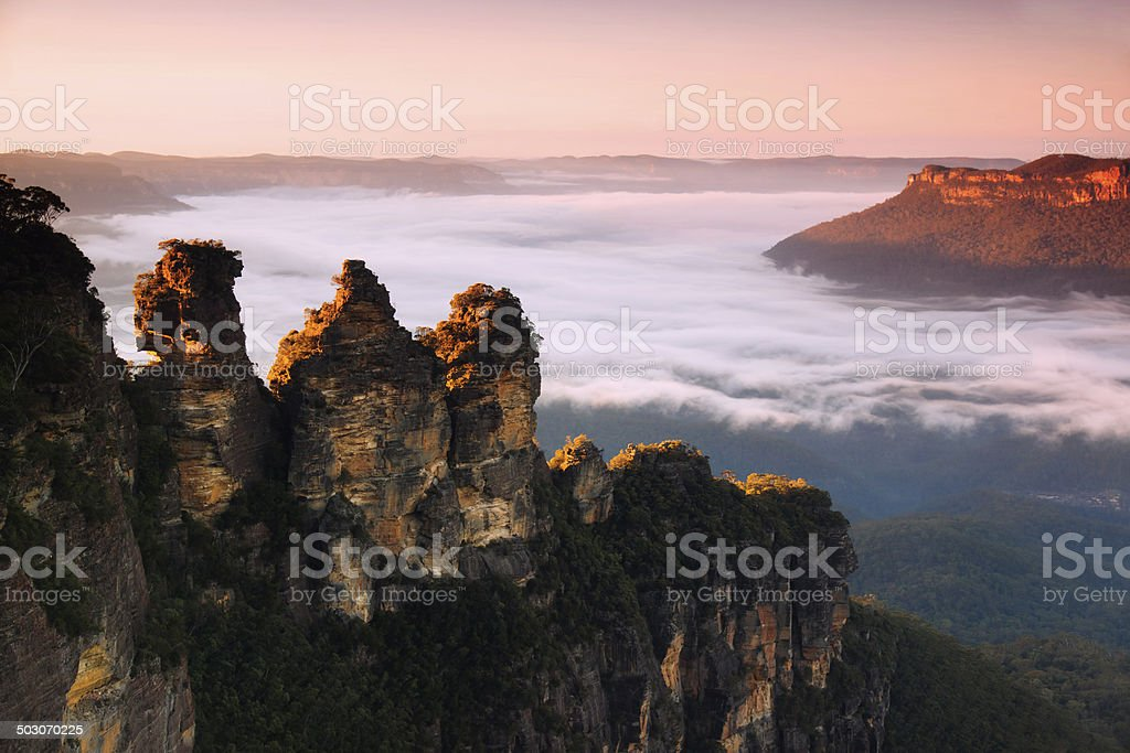 Blue Mountains - The Three Sisters (Sunrise) stock photo