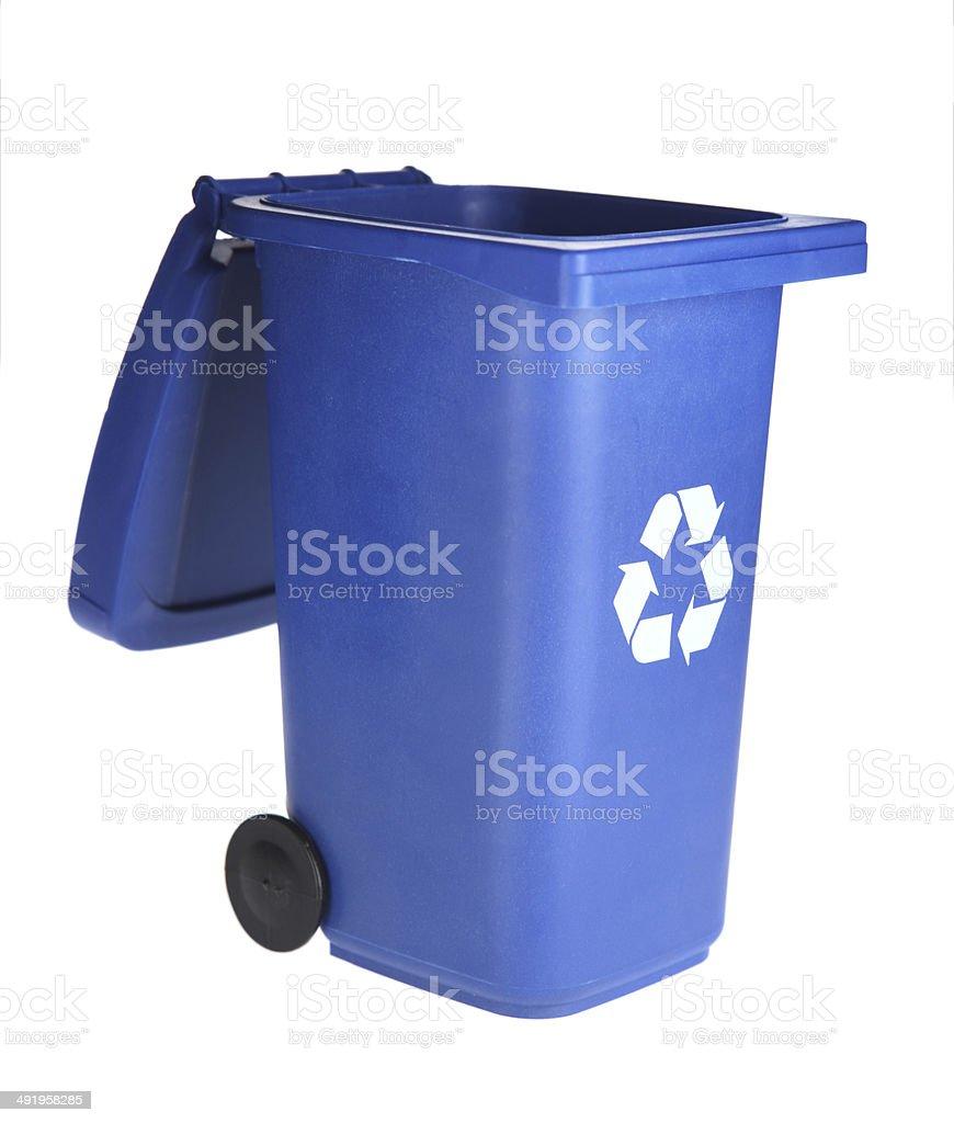 Blue Open Lid Recycle Bin on White - Royaltyfri Avfallsbehållare Bildbanksbilder