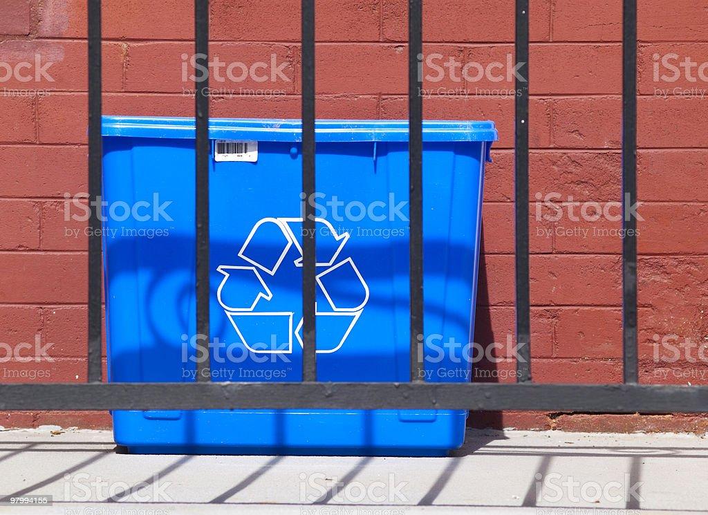 Blue Recycle Bin royalty free stockfoto