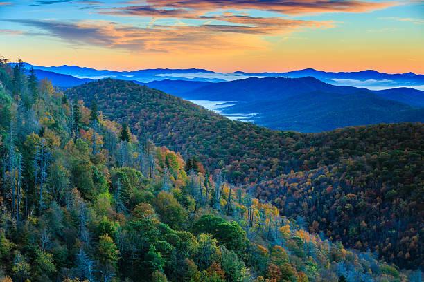 Montañas Blue Ridge en Sunrise - foto de stock