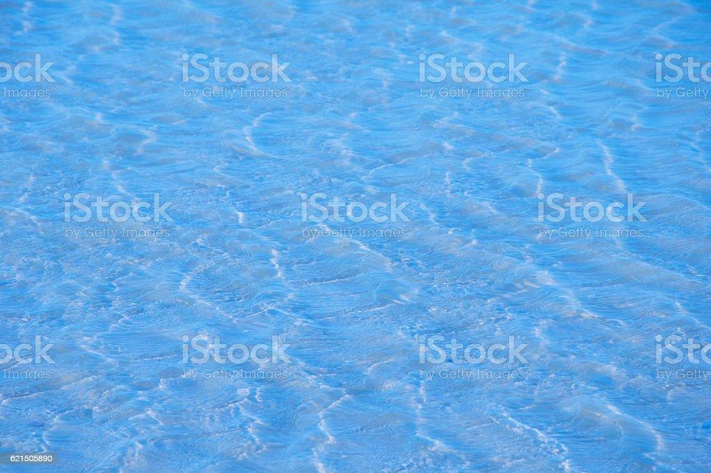 Mare blu con onde di superficie  foto stock royalty-free