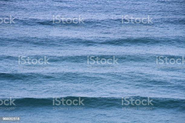 Blå Havet Vågor Av Tyrrenska Havet-foton och fler bilder på Bildbakgrund