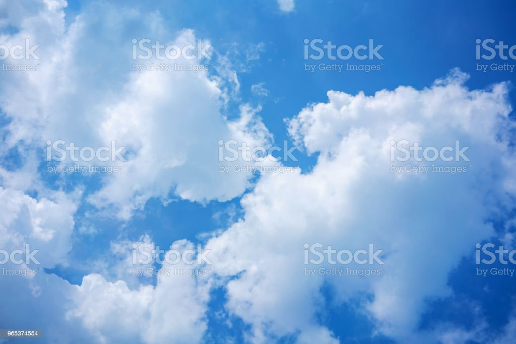 Blue sky and clouds for nature background with copy space. zbiór zdjęć royalty-free
