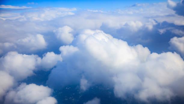 blauer himmel und wolken - aerial overview soil stock-fotos und bilder
