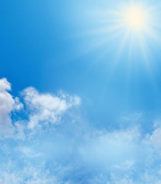 青空と太陽の背景 ストックフォト