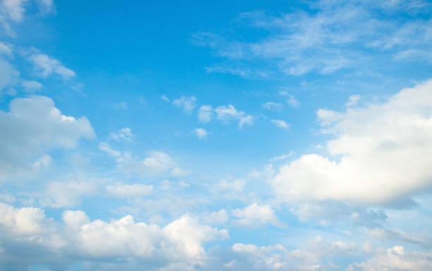 푸른 하늘과 흰 구름 - 구름 뉴스 사진 이미지