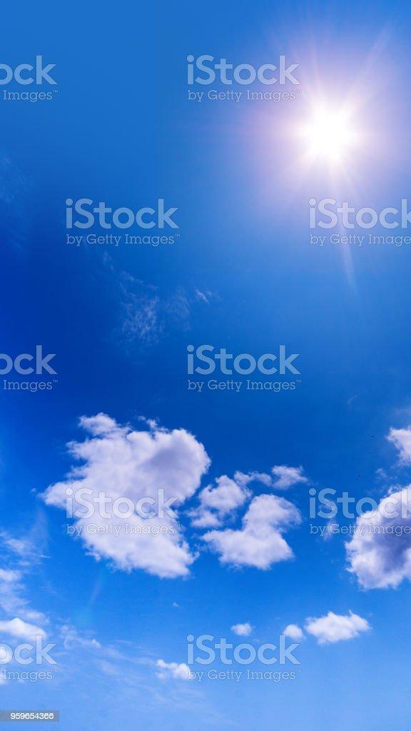 Paisaje de cielo de azul. - Foto de stock de Aire libre libre de derechos