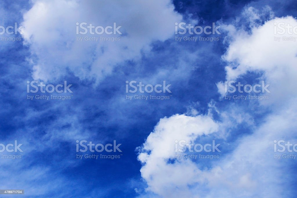 cielo azul stock photo