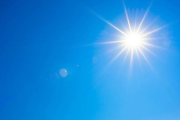 blå himmel med strålande sol - sun bildbanksfoton och bilder