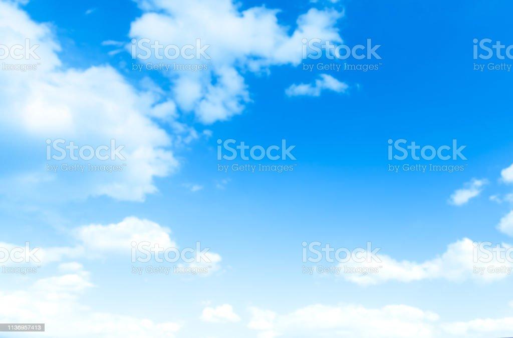 구름과 푸른 하늘 - 로열티 프리 0명 스톡 사진