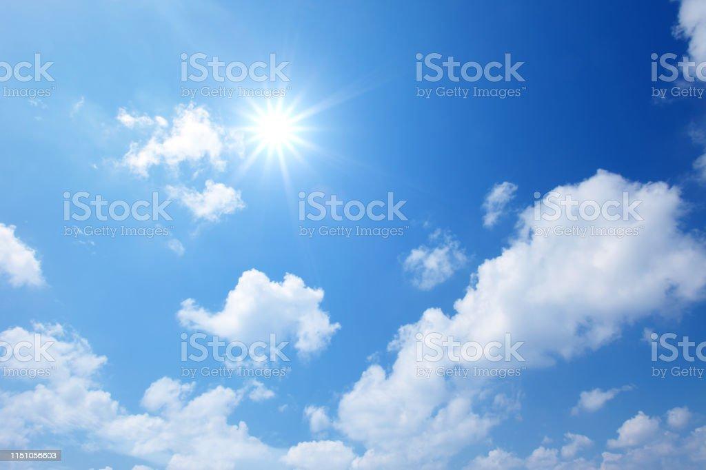 藍色的天空與雲 - 免版稅地勢景觀圖庫照片