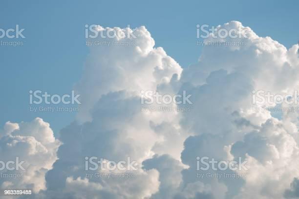 Błękitne Niebo Z Chmurą - zdjęcia stockowe i więcej obrazów Abstrakcja