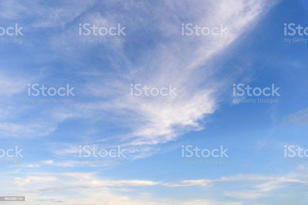 Blue sky with cloud. - Zbiór zdjęć royalty-free (Atmosfera - Wydarzenia)