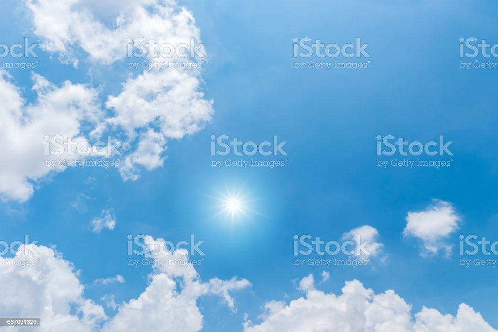 Blue sky with clouds and sun reflection Lizenzfreies stock-foto