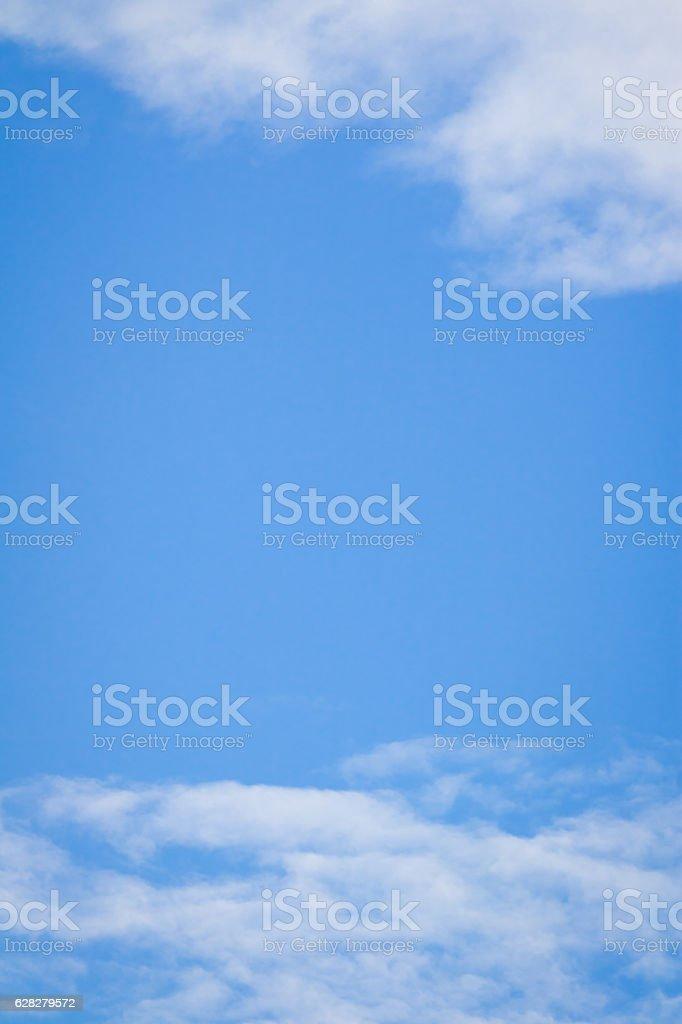 Cielo Azzurro Con Nuvole Sfondo Bianco Fotografie Stock E Altre