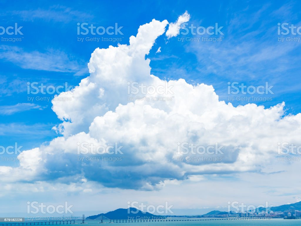 Blue sky with white clouds over Penang brigde foto de stock royalty-free