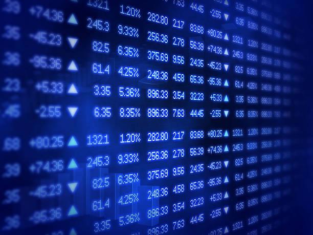 blue börse ticker board - kurstafel stock-fotos und bilder