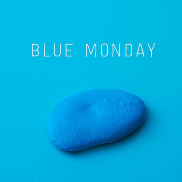 pietra blu e testo blu lunedi - blue monday foto e immagini stock