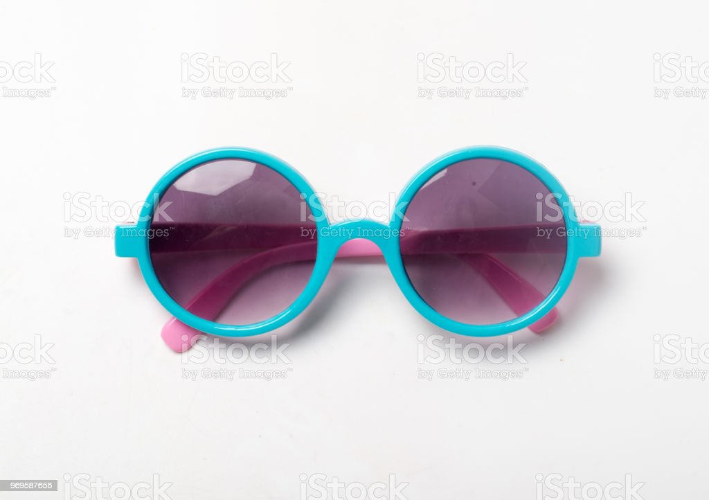 Fondo azul de las gafas de sol blanco foto de stock libre de derechos