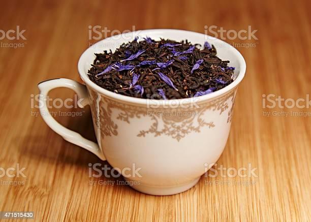 foglie di tea in tazza