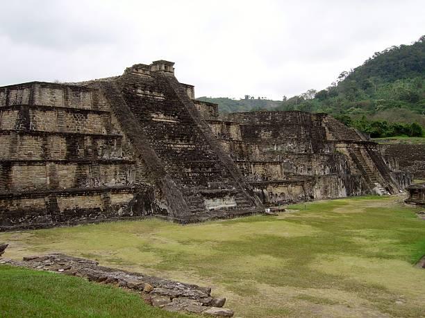 Blue temple, El Tajin, Mexico Blue temple (building 3), in the pre-columbian archeological site of El Tajin, Veracruz el tajin stock pictures, royalty-free photos & images