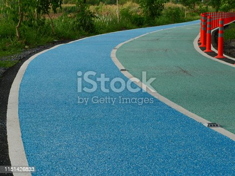 Footpath, Front or Back Yard, runway, Green Color, Horizontal