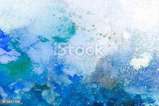 istock Blue watercolor background - abstract ocean 915541150